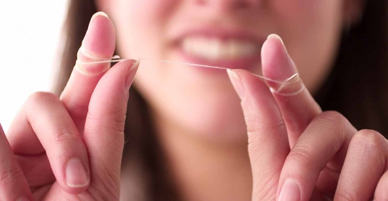 How to Dental Floss - Dental Care, Dentists, Worcester MA, Taunton MA, Auburn MA, Uxbridge MA