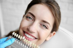 What's the Difference Between Bonding and Veneers?
