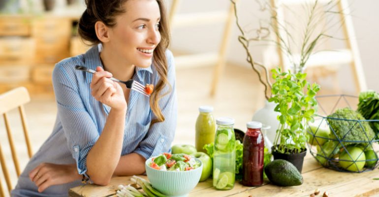 Woman eating healthy | dentist