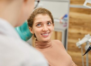 Dentist | Woman smiling.